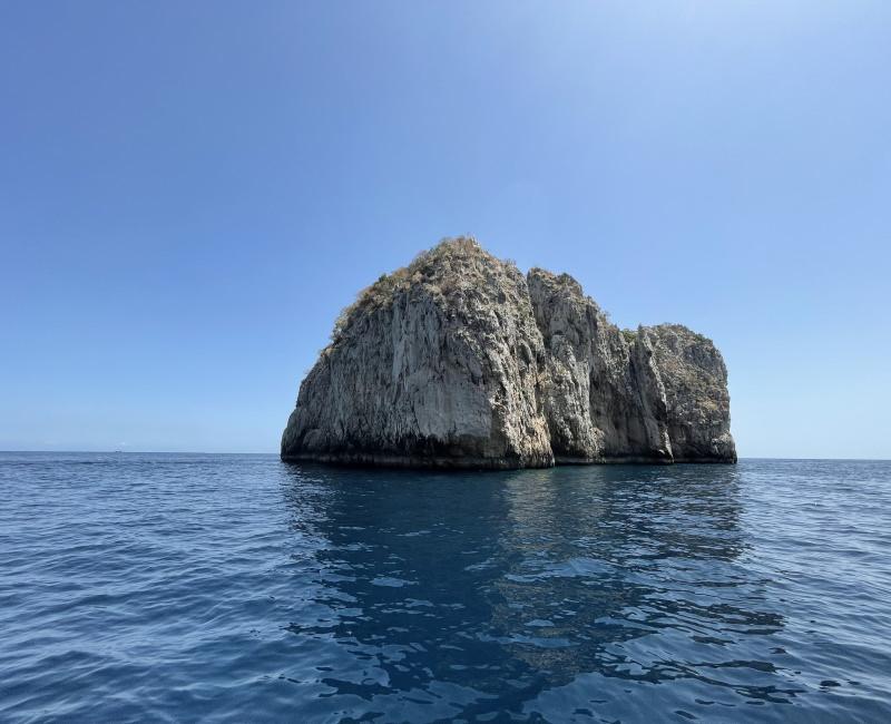 Capri Tour dell'Isola on Exclusive Boat